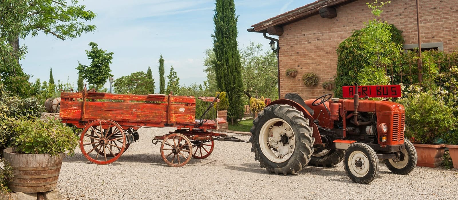 Farm and Agriturismo Pratovalle in Creti di Cortona in Tuscany, at the heart of Valdichiana