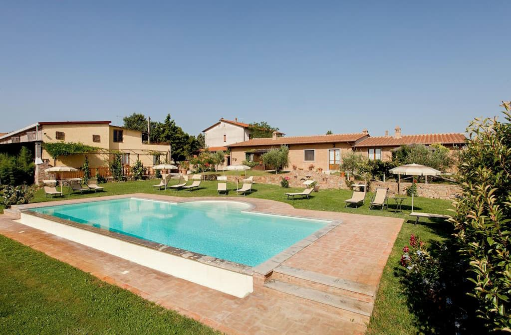 Agriturismo Pratovalle with swimming pool in Cortona, in Tuscany