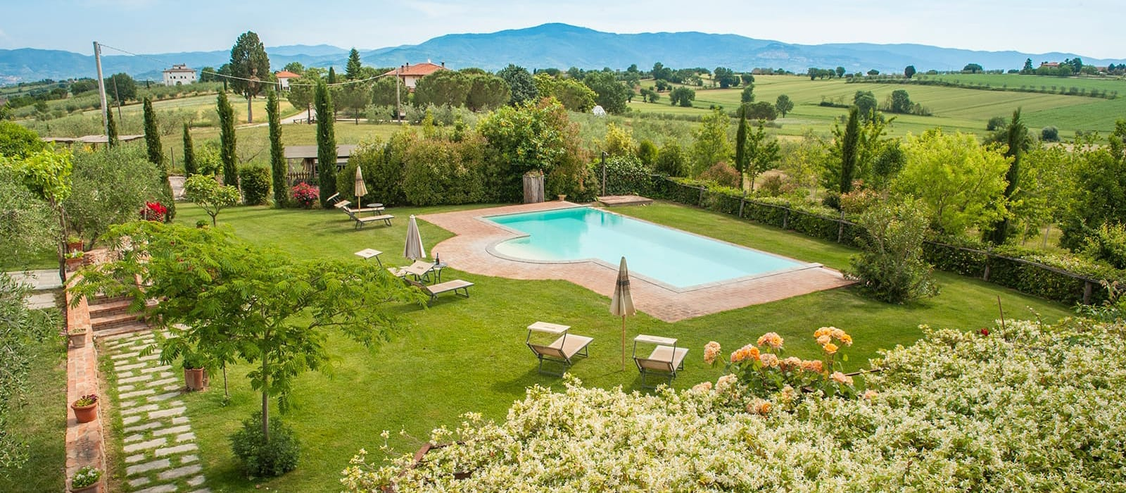 Farm house with swimming pool in Cortona in Valdichiana | Agriturismo Pratovalle